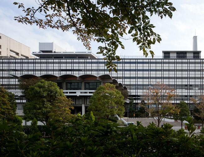 hosei_D39 法政大学市ヶ谷キャンパス内の55・58年館。  小川重雄写真事務所